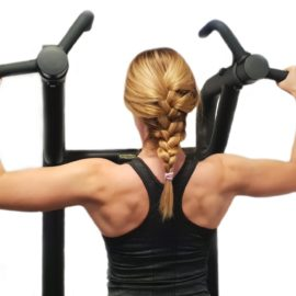 Dźwigaj kobieto! Jak efektywnie ćwiczyć z ciężarami?